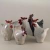 poules en céramique par Cherryl Taylor